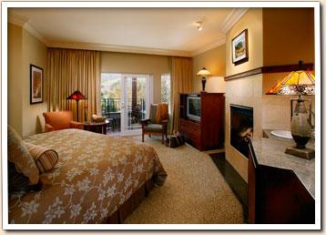 Hot Tub Suite At The Avila Village Inn